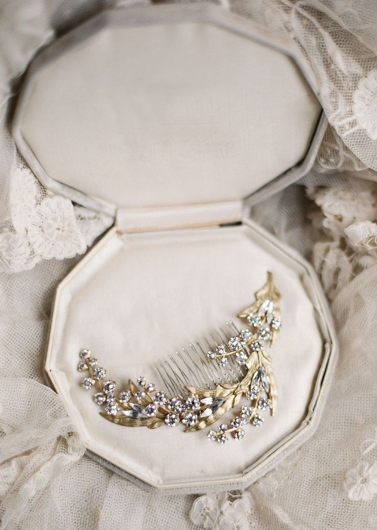Bridal accessories by Liv Hart { Enchanted Atelier Fall/winter 2015 } itakeyou.co.uk