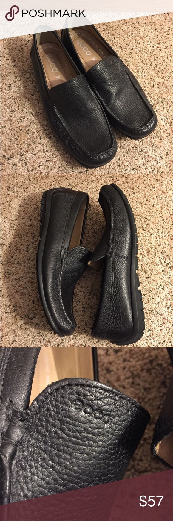 🔆Mens ECCO Classic Black Leather Loafers🔆 Men's ECCO Classic Black Leather loafers. Gently used. Shows light wear. Shoe size is 43 Euro (according to ECCO sizing chart they are US 9-9 1/2) See pics for details. ECCO Shoes Loafers & Slip-Ons
