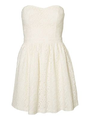 Elegant lace tube dress from VERO MODA. Perfect for summer parties. #veromoda #lace #dress #summer #fashion #style