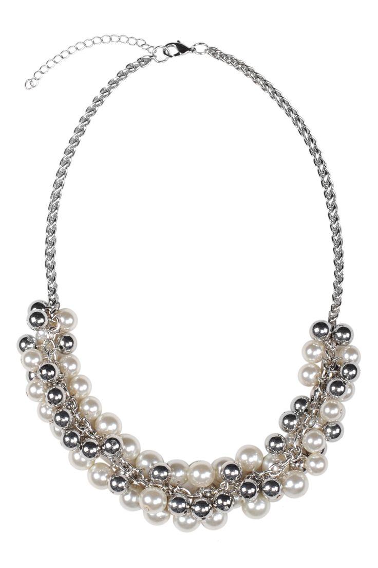 Collier mélange de fausses perles / Mixed faux-pearl necklace www.jacob.ca @Boutique JACOB  #JACOBGIFTS