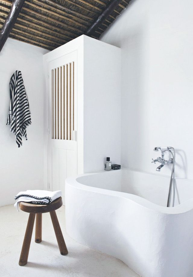 mediterranean style bathroom