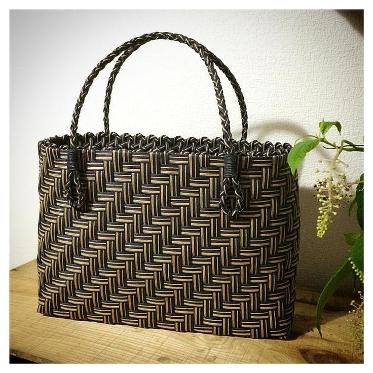 2015/07/12 エコクラフト 網代編みのバッグ完成。 でも、 デザインが なんだかババ臭い・・・…