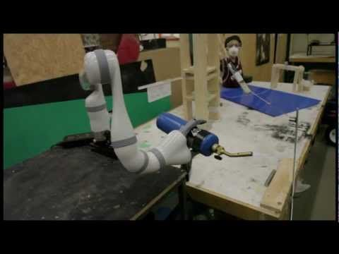 Conçue par les étudiants de l'École de technologie supérieure (ÉTS). Voir robotique, électronique, lasers.