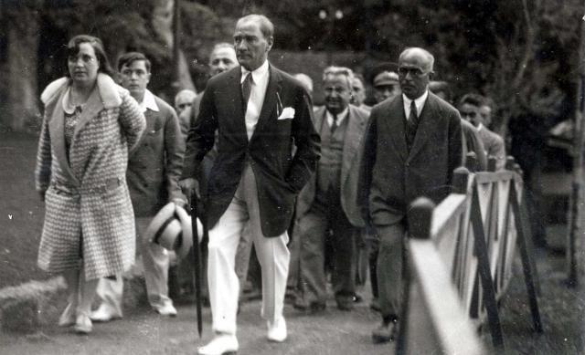 Atatürk'ün arşivlerden çıkan en son fotoğrafları / 3 Foto Galeri Haberi için tıklayın! En ilginç ve güzel haber fotoğrafları Hürriyet'te!
