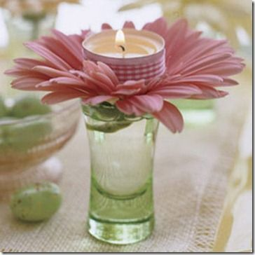 Friendly Easter Table Settings: budvase + plastic flower with glued-on-votive