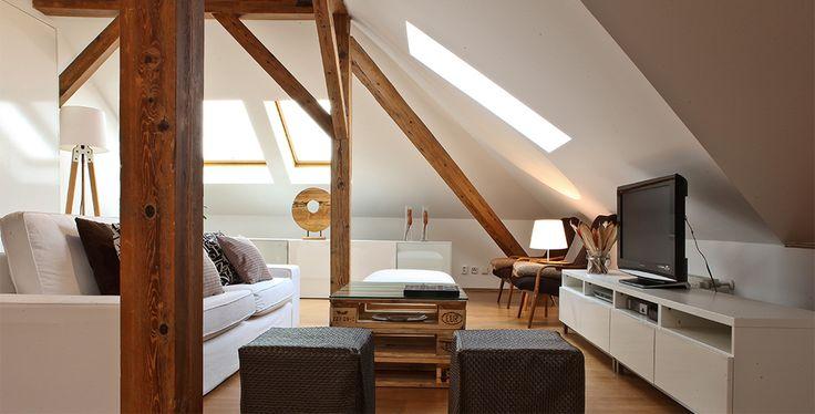 Andrea Hylmarová | Interior Designer #loft #attic #europallet