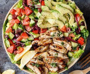 Szuper fogyasztó mediterrán csirkés saláta és mégis mennyei finom? Igen! :D Semmi más nem kell hozzá csak csirkehús: filézett comb vagy csirkemell....