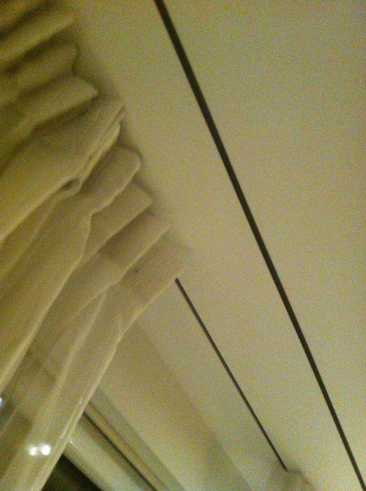 gordijnrails in plafond gestucadoord