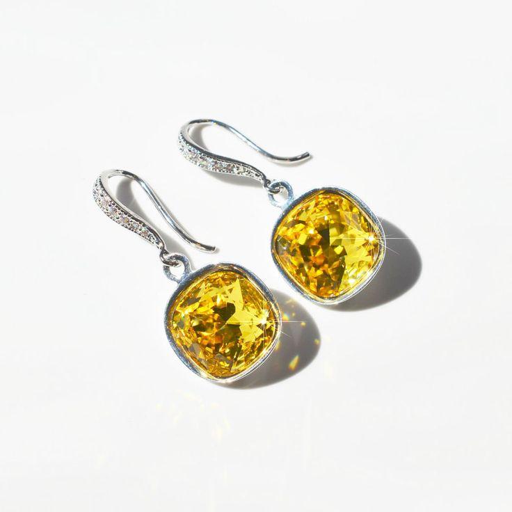 Handmade Swarovski Light Topaz Square Crystal Dangle Earrings (Sparkle-2586-U)