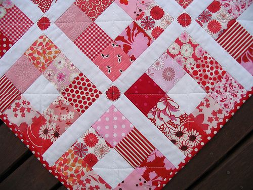 Red Pepper Quilts: Nine Patch Quilt - Strawberry Patches