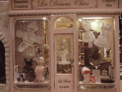 Charlie Miniatures: Lingerie shop finished!