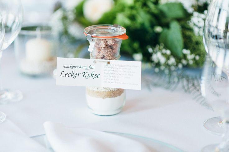 Als Gastgeschenk zur Hochzeit eine individuelle Backmischung für Kekse. Foto: Sandra Hützen