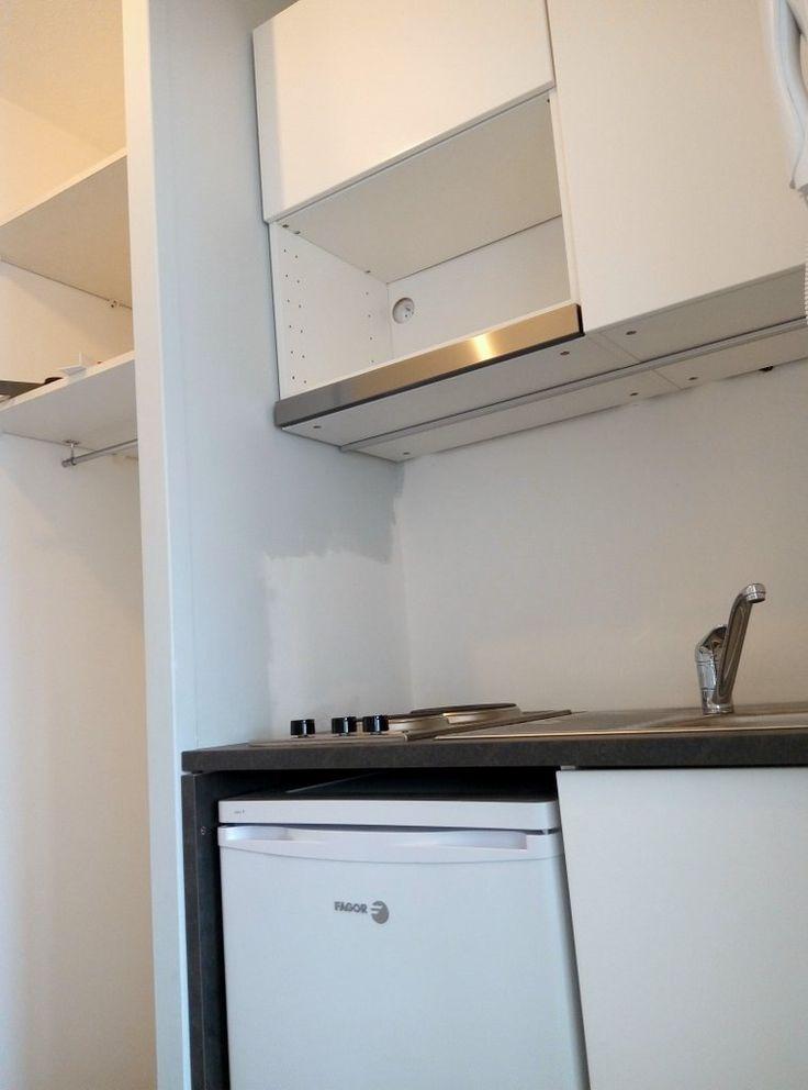 17 meilleures id es propos de studio kitchenette sur pinterest mini cuisine petit studio et. Black Bedroom Furniture Sets. Home Design Ideas