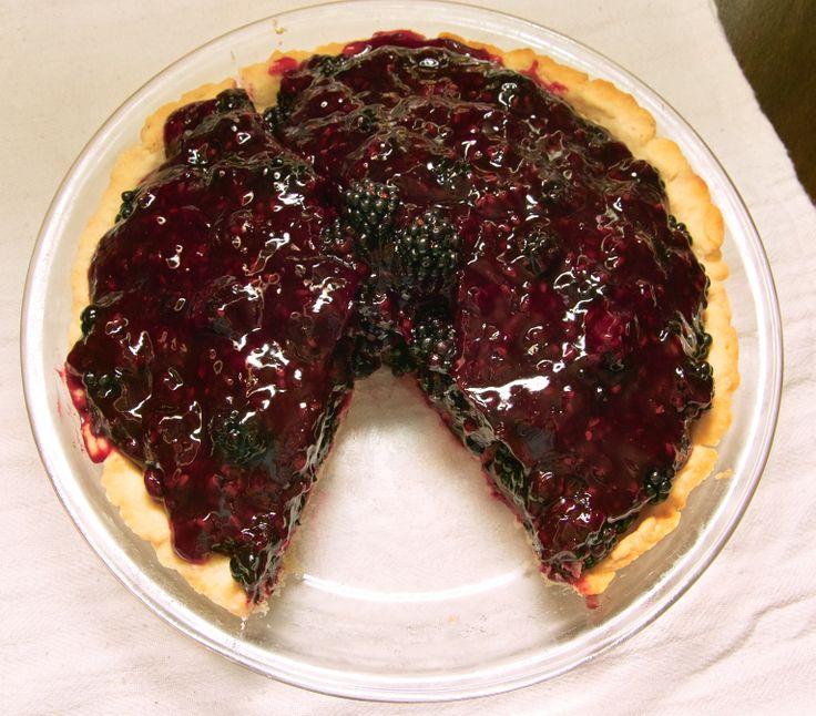 blackberry wine pie w/ ginger crustDesserts Recipe, Blackberries Wine, Berries Desserts, Food Ideas, Danger Drinks, Cabernet Pies, Gingers Crusts, Glaze, Blackberries Cabernet