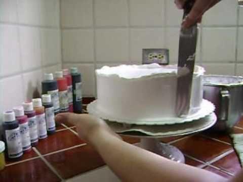 How to frost a Cake / Como Cubrir un Bizcocho
