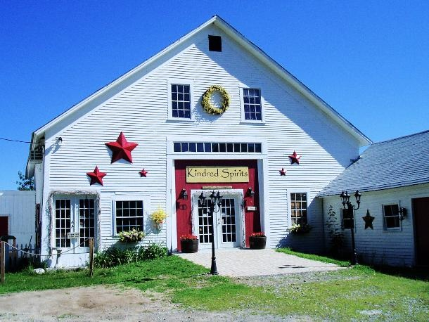 Kindred spirits country furniture gift barn temple nh