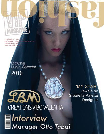 Fashion Vip Magazine è una rivista semestrale focalizzata esclusivamente nel mercato del lusso ed articolata nei vari settori che ne fanno parte, tra cui le boiseries, l'arredamento più prestigioso e il mondo dei luxury hotels e resort in Italia. www.fashionvipmagazine.com