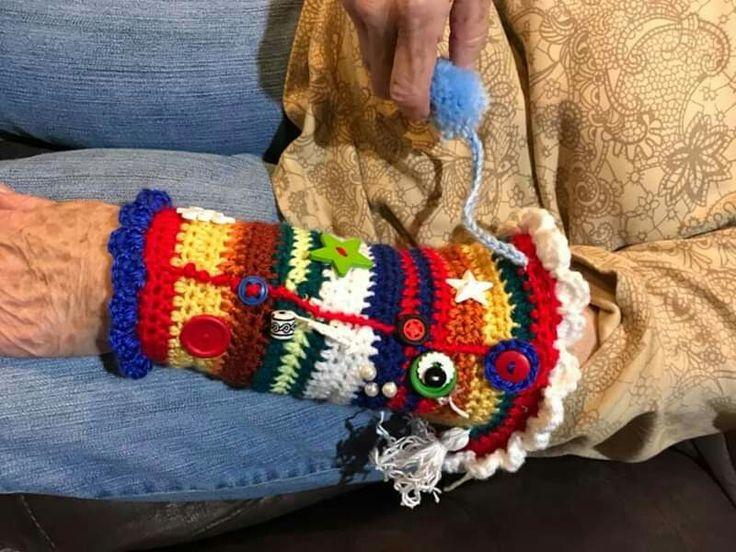 Fidget sleeve for dementia patients keeps them from