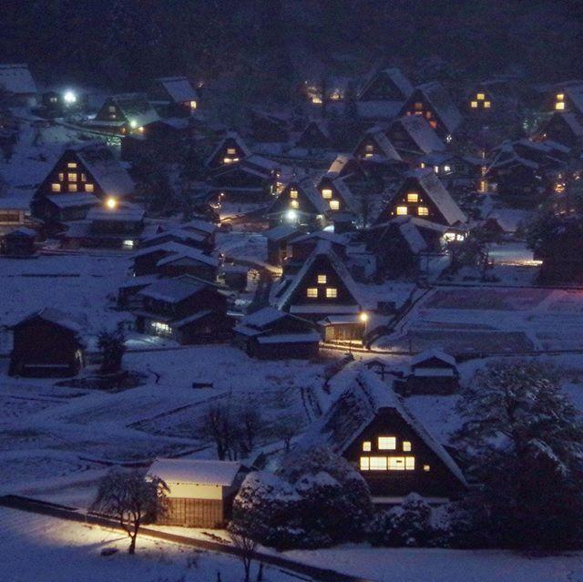 "WorldHeritage ""Shirakawa-go"" 冬の白川郷/世界遺産"