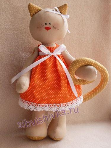 Cat's story / Кошечка в платье