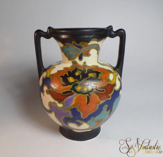 236 Regina Gouda plateel vaas, Gouds platelen amphora vaas, decor Rosario, Model 236, Oorvaas met 2 handgrepen,Vintage Nederlands kunstaardewerk