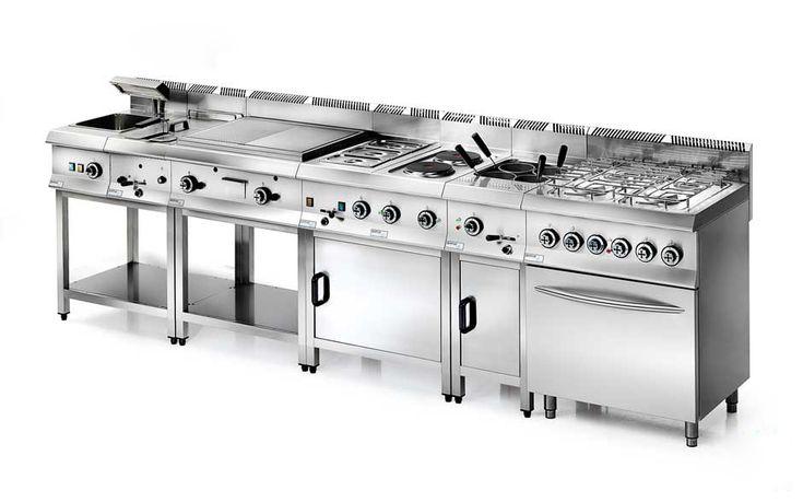 Cucine industriali serie Unico. Questo concetto di cucine industriali è stato studiato per i professionisti della ristorazione.