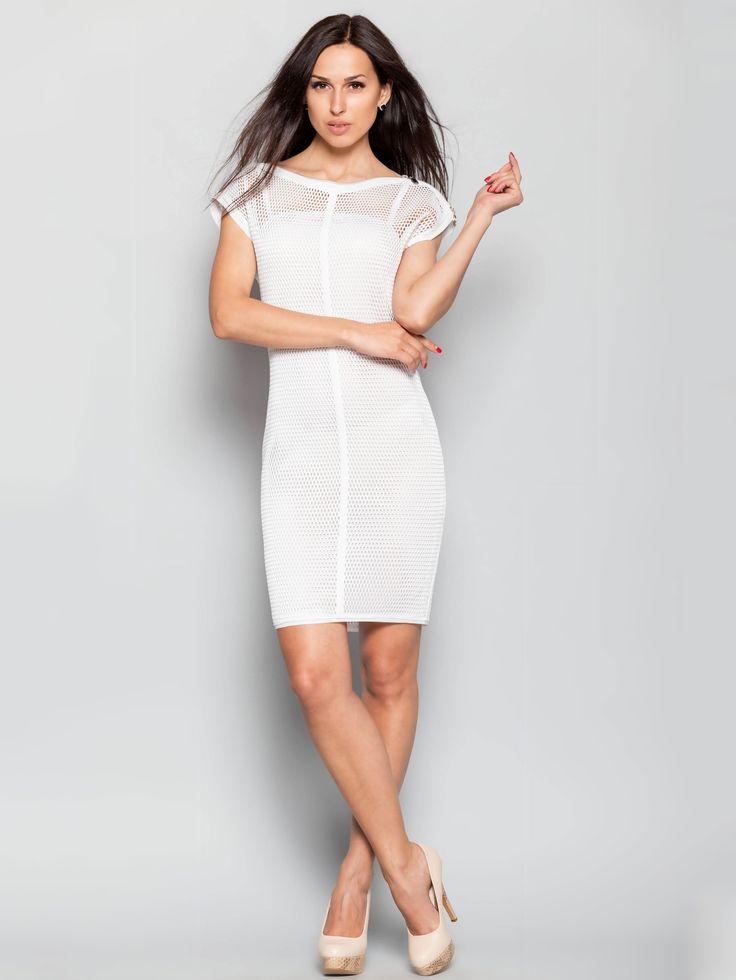 Sukienka łacząca w sobie dwa trendy zesonu wiosna-lato 2016 – siatka i biały kolor.