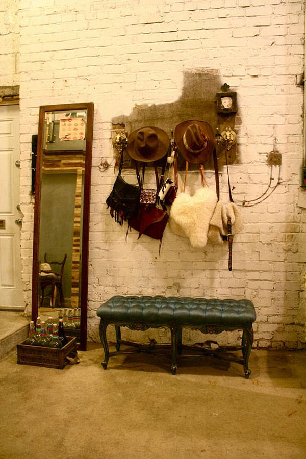 Rustic vintage comfort: Closet Idea, Interior Design, Brick Bench, Brick Walls, Exposed Brick, Brick Loft, Dressing Room