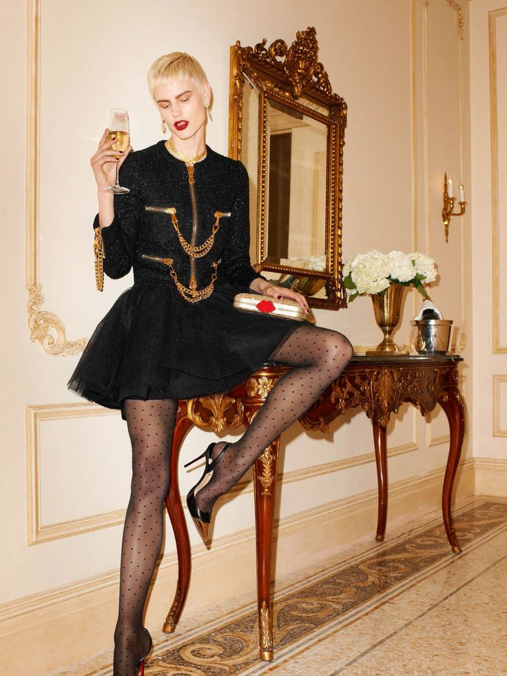 Publication: Vogue Paris Issue: February 2014 Title: Legally Blonde Model: Saskia de Brauw Photography: Terry Richardson