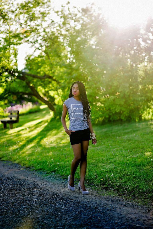 Fashion blogger in Alaska: http://www.lapassionvoutee.com/2015/08/alaska-fashion-blogger-printed-tee.html