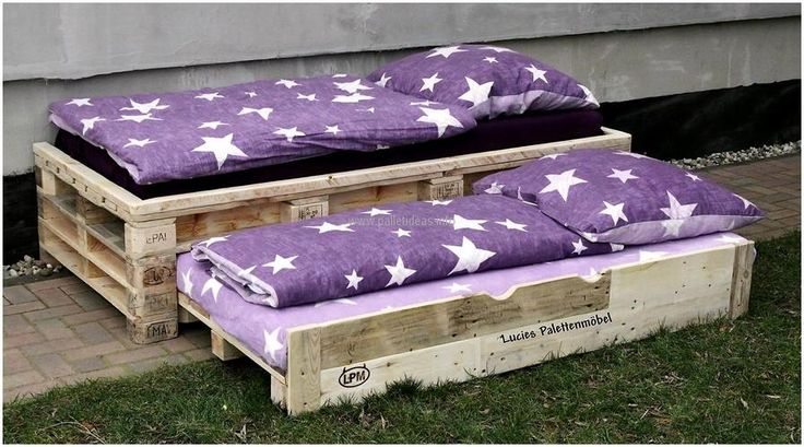 Unique Idea for Wooden Pallets Bed