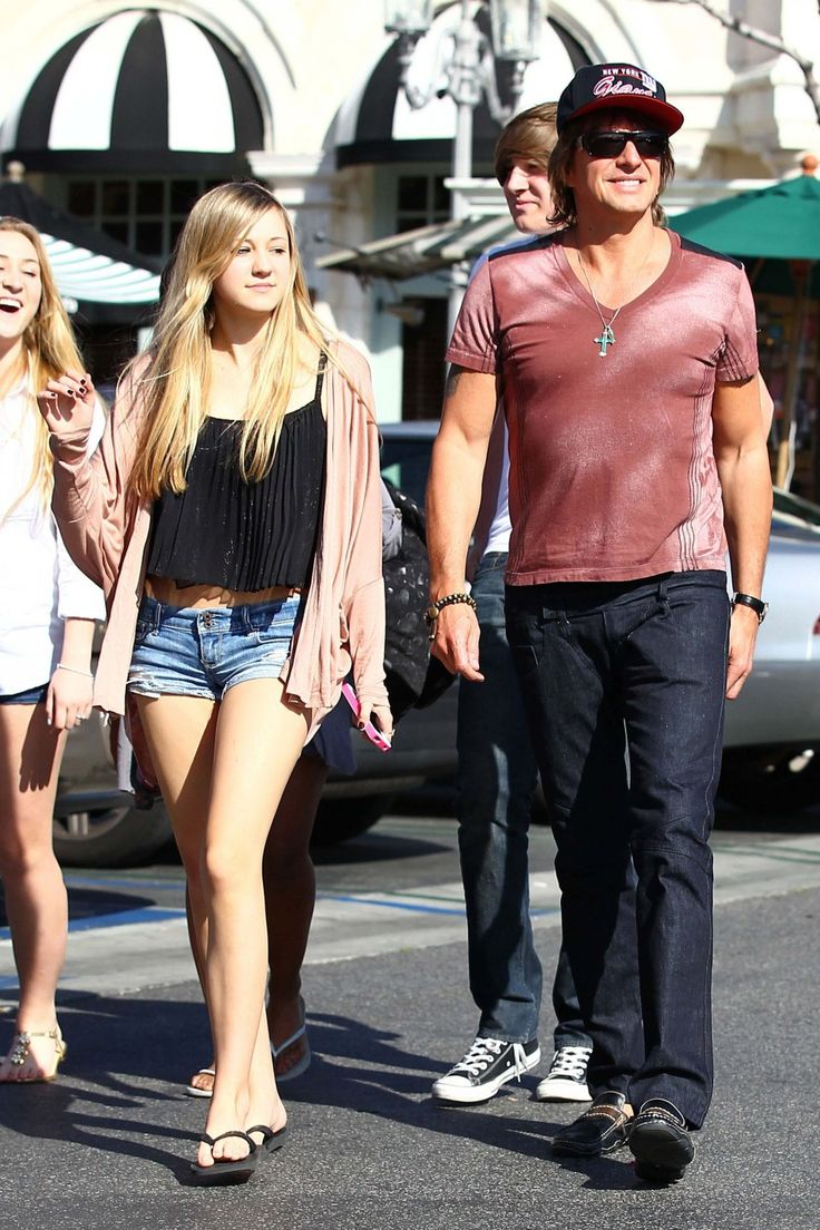Richie Sambora and daughter Ava leaving the King's Fish House