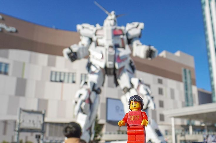 Daimos and Friends ;  . . . . . #japan #morejapan  #seaside #gothedisthedistance #tokyocameraclub  #titanlego  #legoman #beautifultokyo  #daimos#odaiba#doped_adventures  #japan #tokyo #beautifuldestinations #followme #legoland  #tokyocameraclub #doctor  #wanderlust #instagramer  #igdaily #ilovejapan #tripadvisor  #picoftheday  #instagramjapan #igtokyo  #tokyotravel #lego #photooftheday #pictureoftheday #sonycamera #divercity  29/12/2017