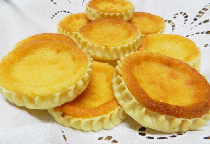 Uno scrigno di pasta di semola che racchiude un tesoro di sapori: il formaggio, lo zucchero e l'uva sultanina al profumo di limone