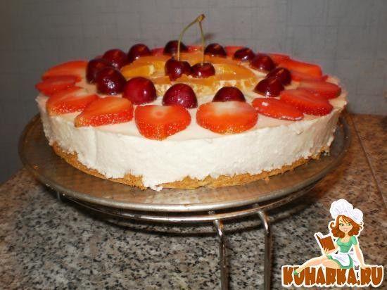 Творожно-зефирный торт с ягодами