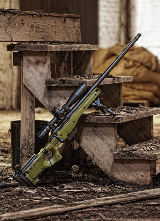 Beautiful L96 Bolt action... I would love to get an Airsoft version.