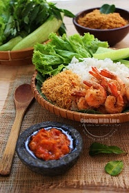 Indonesian food: Nasi Udang & Sambal Setan