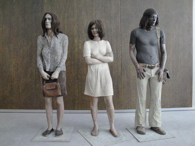 The bus stop. Sculpture. (1972/1973) Kurt Trampedach (1943-)
