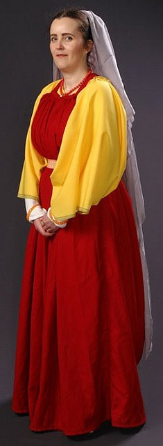 Lovely, accurate Roman costume, #RomanBling