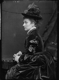 6th child of Prince Albert (1819-1861) & Queen Victoria (1819-1901) & wife  of  John George Edward Henry Douglas Sutherland Campbell (1845–1914)  Marquess of Lorne, 9th Duke of Argyll. Princess Louise Caroline Alberta (1848-1939) by Alexander Bassano mid 1880s. She died at Kensington Palace 3 December 1939 age 91 years, 8 months, 15 days. Her younger brother Prince Arthur lived to be exactly the same age (to the day) making them the longest-lived of  Victoria & Albert's 9 children.