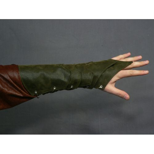 fancy dalish elf glove-thingies. I imagine her wearing these at some point in time :)