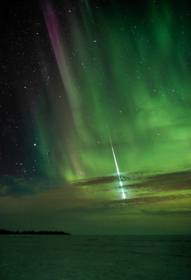 Aurora and meteor over Manitoba, Canada