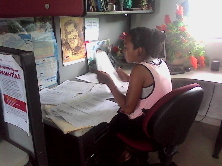 La Universidad Bolivariana de Venezuela (UBV) Sede Monagas invita a los estudiantes activos de esta casa de estudios así como de Misión Sucre que cursen desde el primer tramo de todos los programas académicos, a participar en el proceso de solicitud de beca ayudantía correspondiente al período 2016 II, para optar a ser beneficiados del apoyo socio-económico ofrecido por esta institución.