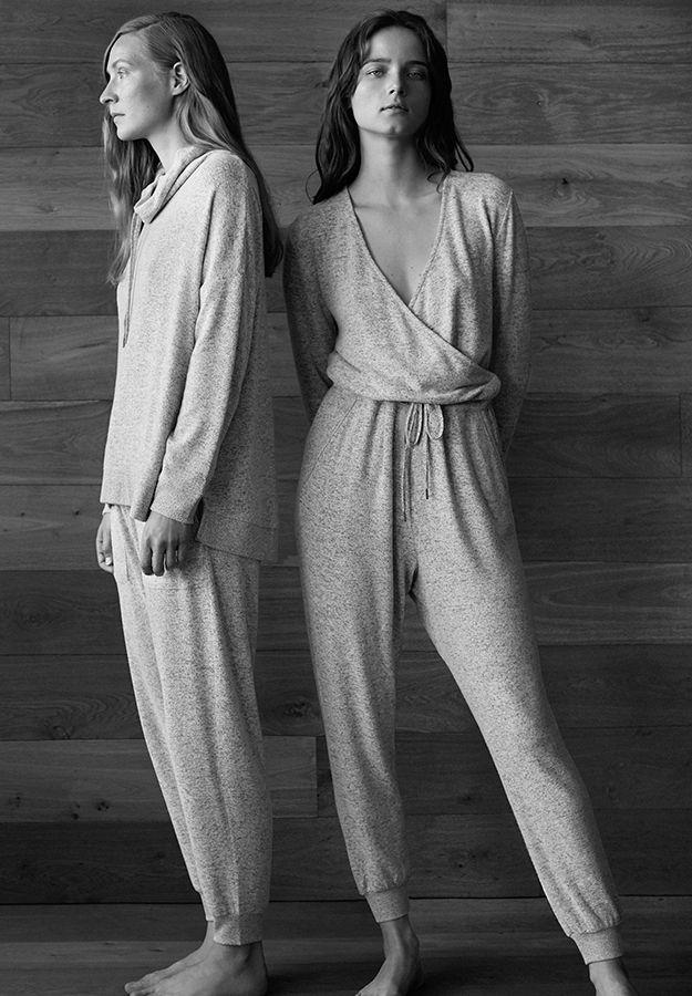 EDITORIAL - Ageless - Modetrends des Herbst/Winter 2017 für Damen bei Oysho Online: Dessous, Sleepwear, Sport, Beachwear, Schuhe & Accessoires, Unterwäsche, Sportbekleidung , Schlafanzüge , Badebekleidung , Bikinis, Bodys, Nighties.