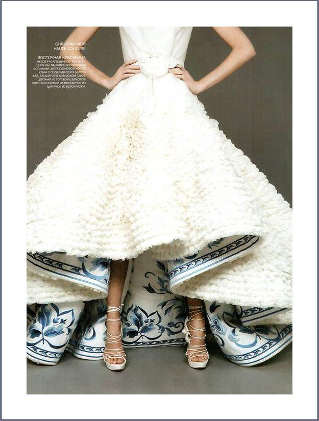 vestido de noiva com forro estampado e colorido - blog à moda da noiva por luana zabot - haute couture Dior  modelo mullet de Dior