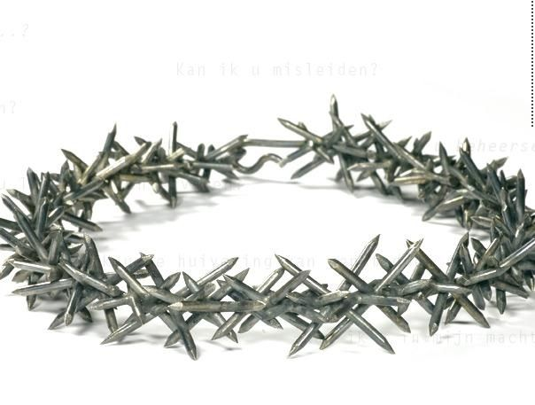 Lisette Colijn – necklace « silvernails » - silver 2008 (jewelry with nails)