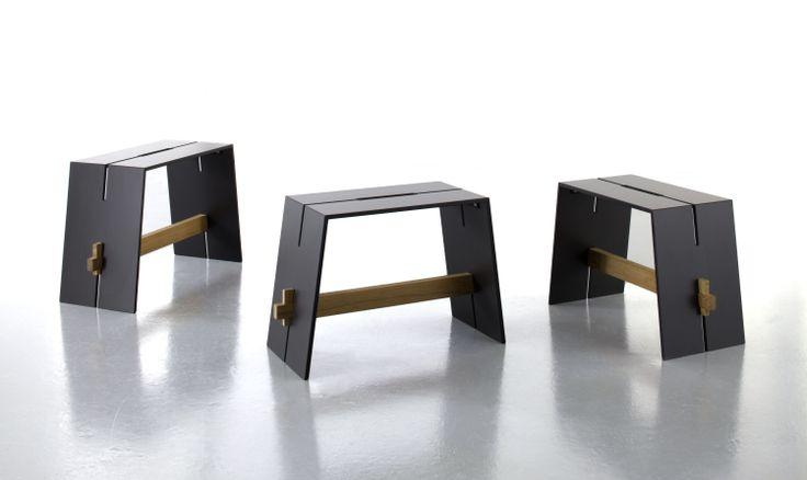 Komplet stołków Tension Hoker. Połączenie drewna z niezwykle wytrzymałym materiałem HPL