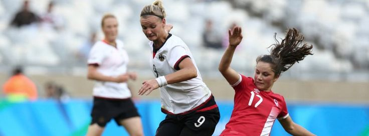DFB-Stürmerin Alexandra Popp gegen Kanada im Halbfinale