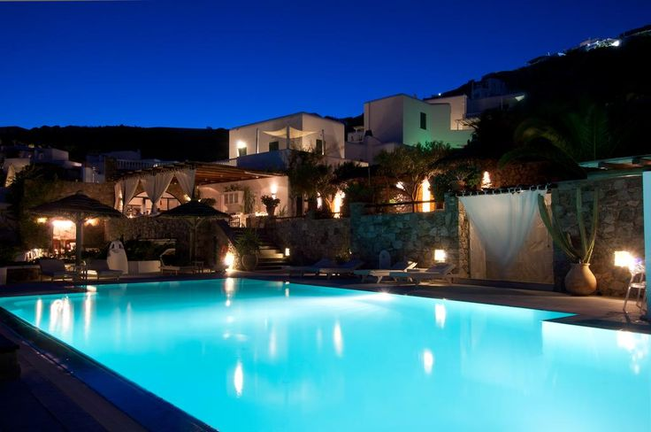 Apollonia Resort || Apollonia is a small seaside 4-star hotel and resort, located on a private peninsula, on the beach of Ayios Ioannis, at Mykonos.