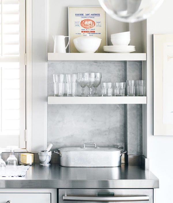 Franska bistrokök, denna oemotståndliga kombination av vit marmor, smäckra stolar och snygga golv! Visst är det väl så – i ett bistrokök, där lagar man god mat!